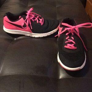 Nike youth Size 6
